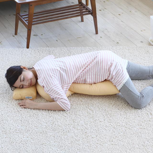 妊娠中のうつぶせ寝やシムス位をサポート